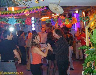 chrissies salsa homepage presents salsa in deutschland erlangen n rnberg. Black Bedroom Furniture Sets. Home Design Ideas